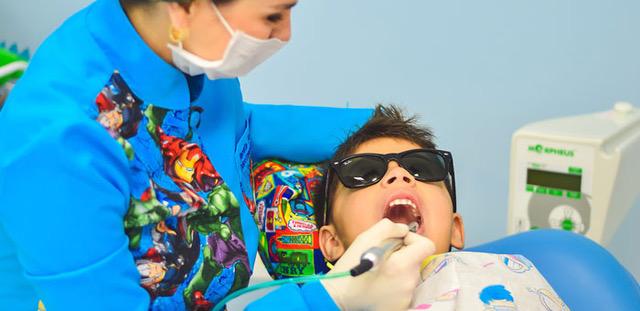 ¿Por qué contratar un seguro dental infantil?