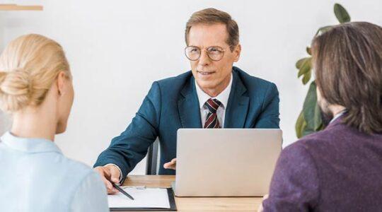 ¿Qué hacemos por ti en una correduría de seguros?