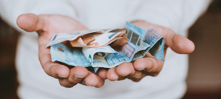 ¿De qué forma puedo retirar mi dinero del plan de pensiones?