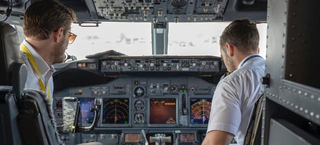 ¿Por qué contratar un seguro si trabajas como personal de vuelo?